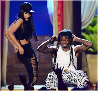 Lil Wayne And Nicki Minaj 2013 Drake Kissing Lil Wayne On Stage