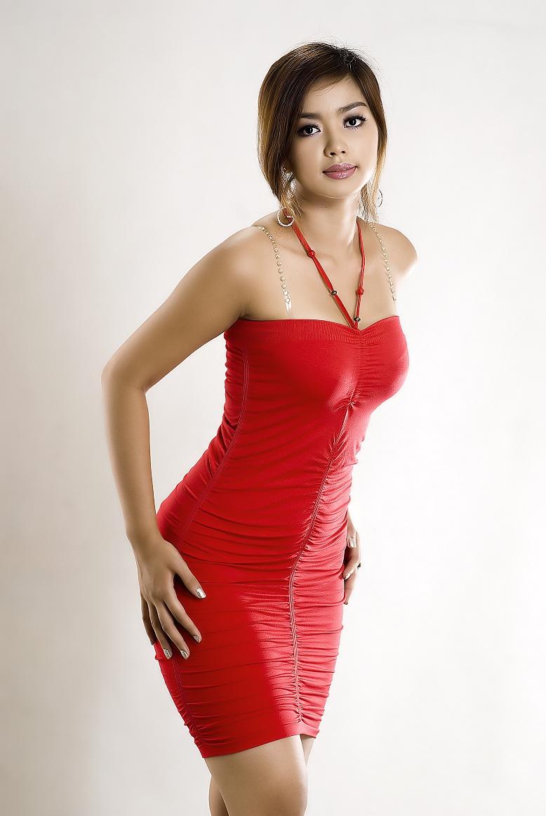Arloo's Myanmar Model Gallery: Nwe Nwe Htun - Red Dress in Studio