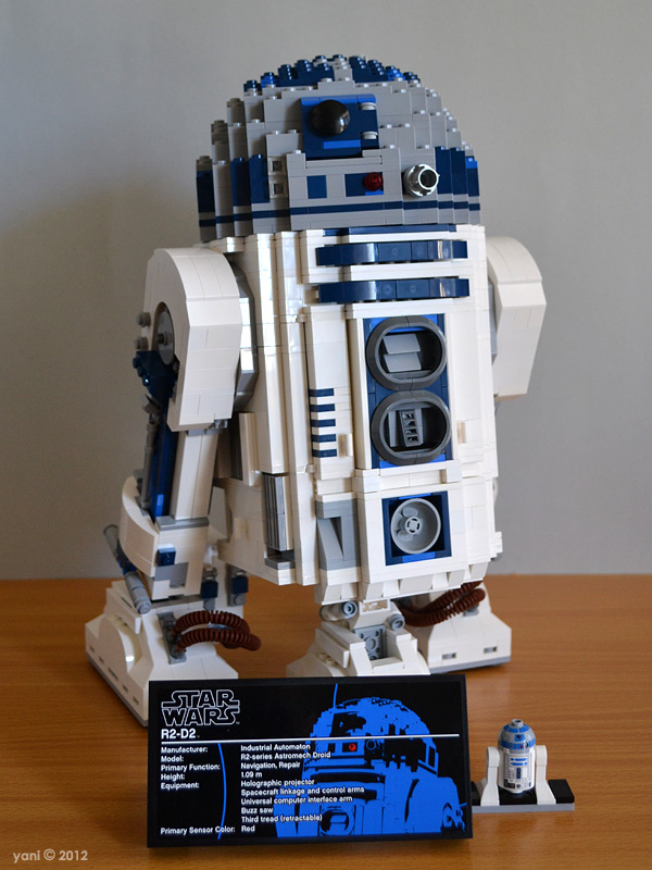 Yaniism Photo Friday Lego R2d2