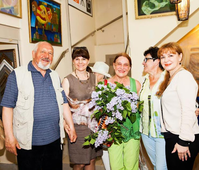 Лариса Леже: «Я не одна развиваю арт-салон, а опираюсь на поддержку художников».