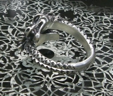 Big Black Maria  - Twin Head Dragon Ring