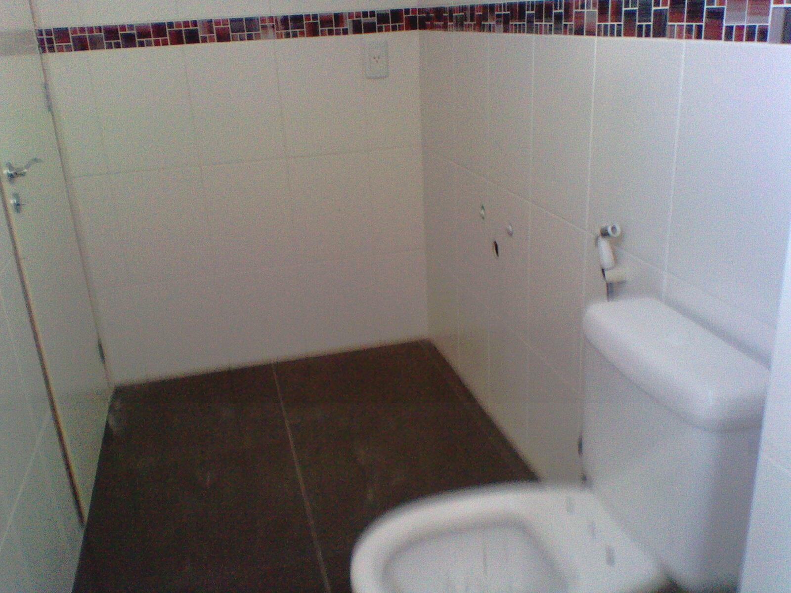 60x60cm na cor marrom acetinado com rejunte epóx junta de 1 5m #634041 1600x1200 Banheiro Branco Com Rejunte Escuro