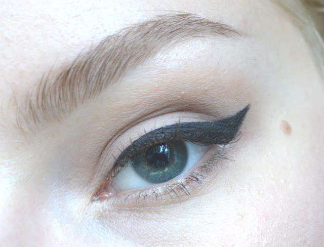 Catrice Waterproof Gel Liner Black Jack With Jack Black swatch