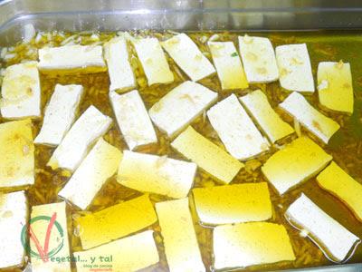 Tofu marinado.