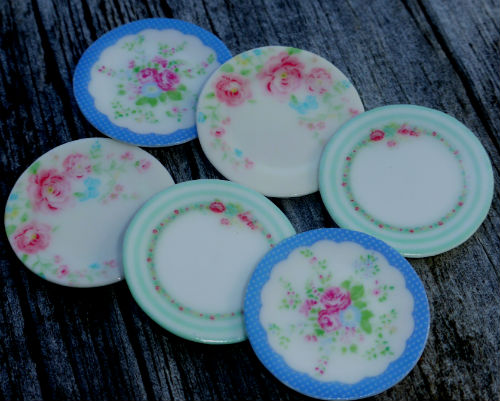 https://www.etsy.com/nz/listing/183963942/gorgeous-set-of-greengate-plates-for?ref=shop_home_active_1