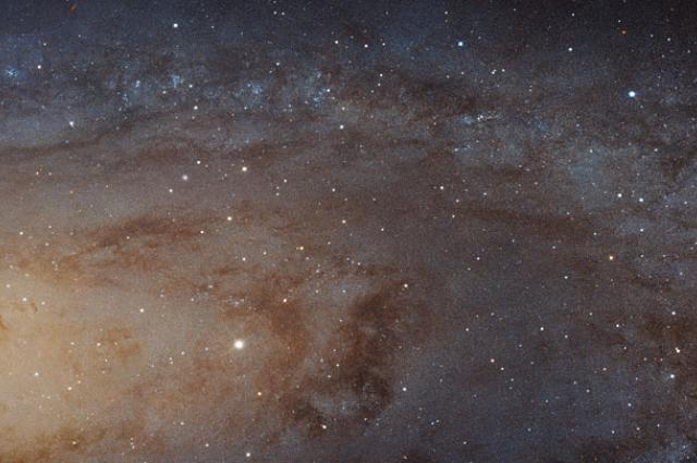 Galaksi Andromeda dalam Foto 1,5 Miliar Piksel