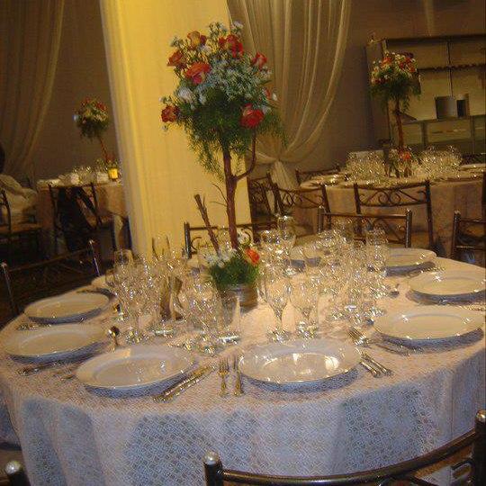 As De Oro Es Uno De Los Locales Mas Bonitos Y Decorados En Lima. Para  Matrimonios, Conferencias, Quinceaños, Banquetes, Recepciones, Etc,