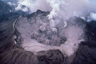 Pinatubo early eruption 1991 Courtesy of the US Geological Survey