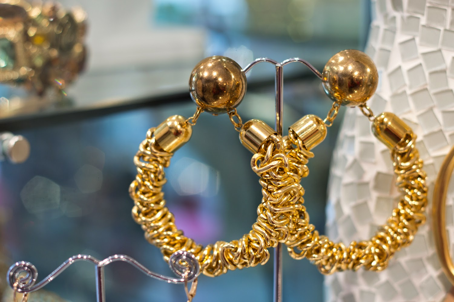 artemis-pop-up-jewellery-store-in-yorkville, gold-earrings, statement-accessory