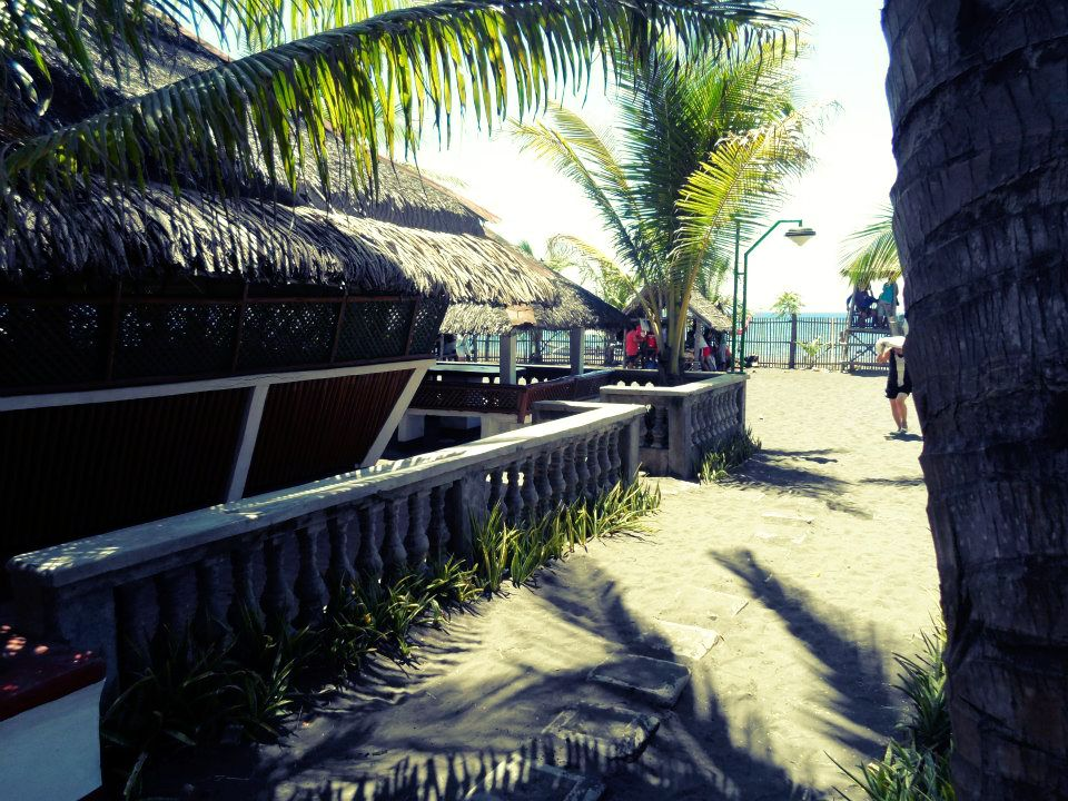Villa Gracia Beach Resort Lemery Batangas Daytime Swimming Aimer La Vie Overseas Bride
