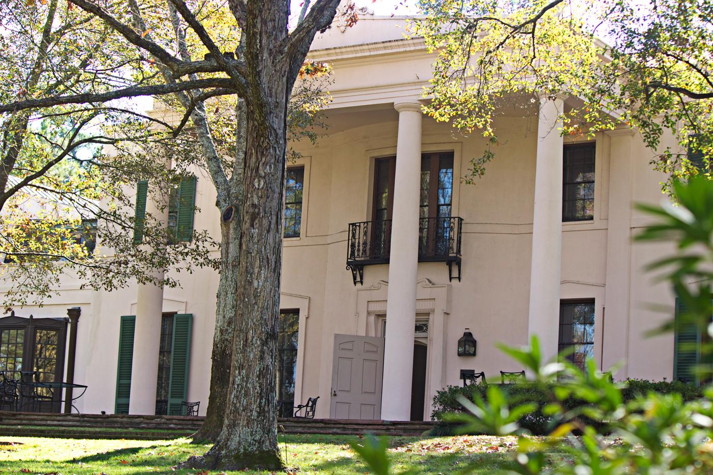 front of mansion at bayou bend - photo copyright Allison Beth Cooling