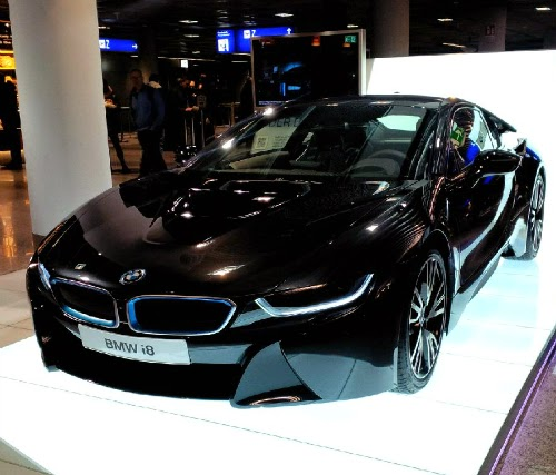 Kate's Virtual Garage: Spotted: BMW I8