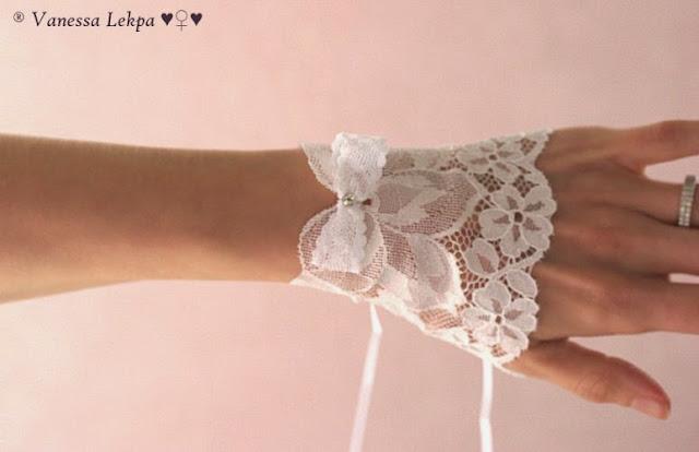 très jolie paire de manchettes de mariée en dentelle de Calais blanche création de Vanessa lekpa Atelier