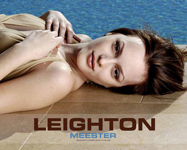 Leighton Meester sexy in dress fashion