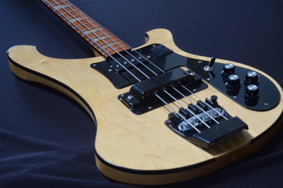 bass merk rickenbacker