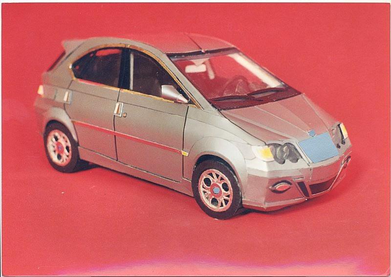 Küçük sınıfta yerli bir otomobil tasarımı