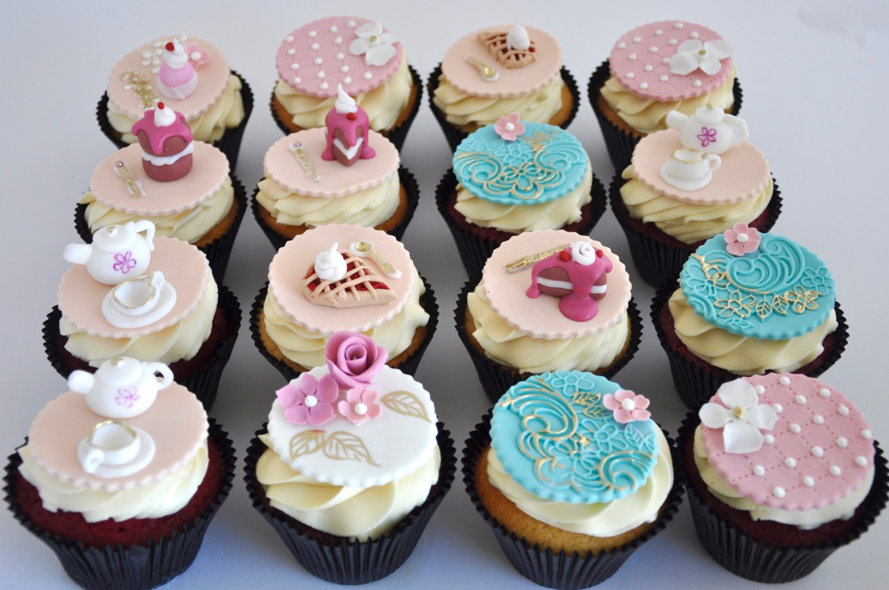 Cupcake Decorating Ideas For High Tea : Rozanne s Cakes: Prettiest high tea cupcakes