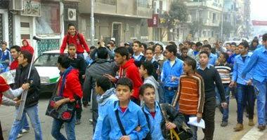 """"""" إمتناع """"طلاب رأس غارب عن دخول المدارس رفضا لتقسيم المحافظات"""