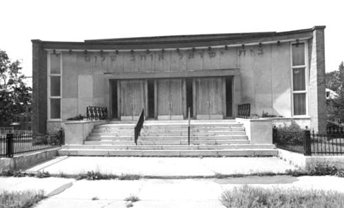 Le faubourg une histoire populaire 10 la synagogue beth for Centre lucien borne piscine