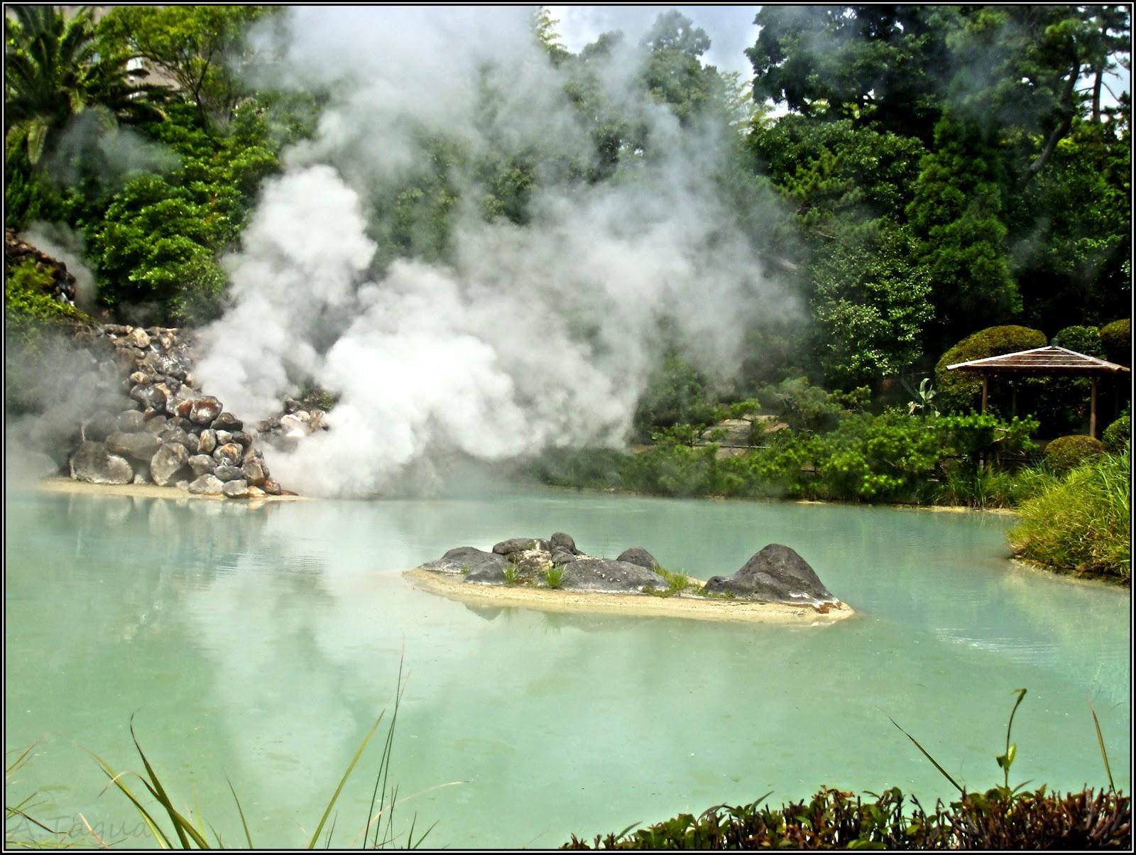 Yama jigoku el infierno de la monta a peque os for Estanque para agua caliente