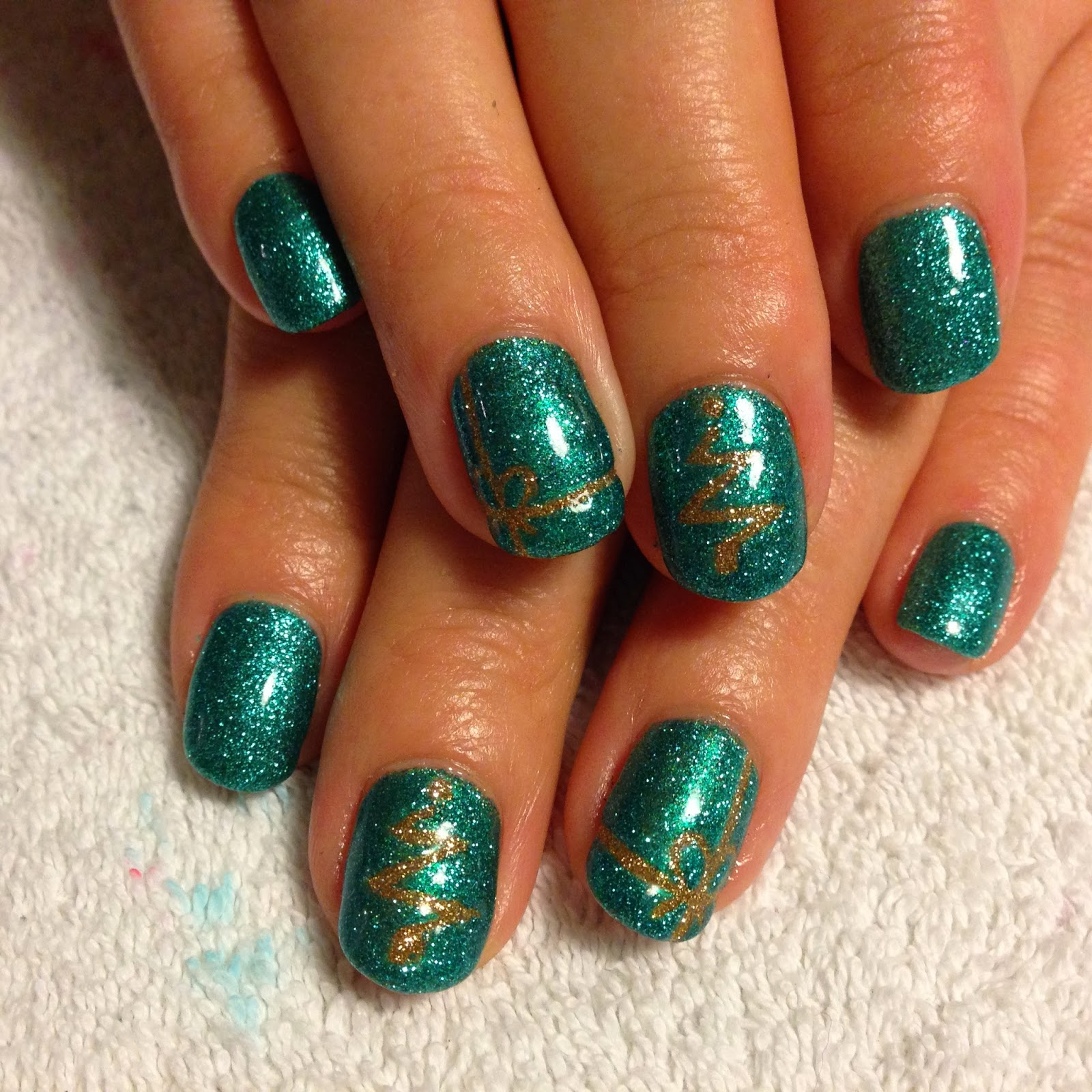 Brush up and polish up cnd shellac christmas nail art 6 cnd shellac christmas nail art 6 turquoise twinkle prinsesfo Image collections