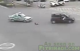 video bayi tercampak dari kereta ibu