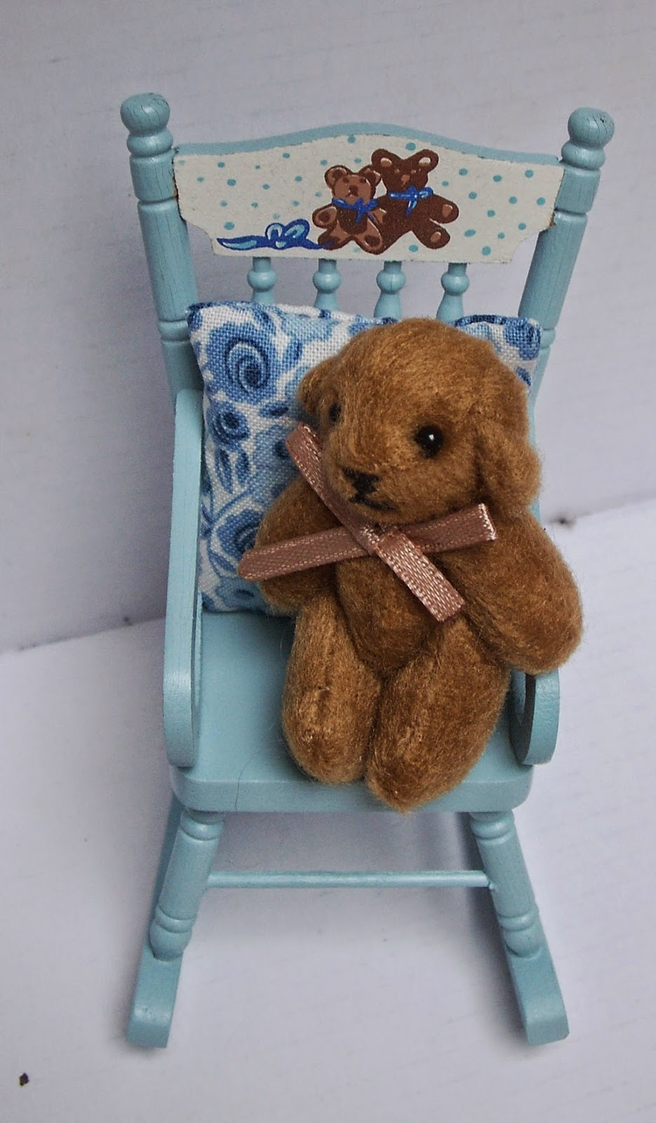 Cherry Croft Teddy Bears And Rocking Chairs