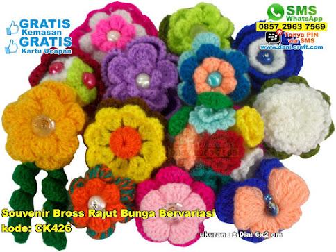 Souvenir Bross Rajut Bunga Bervariasi