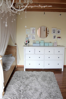 ein schweizer garten viel stauraum f rs kinderzimmer. Black Bedroom Furniture Sets. Home Design Ideas