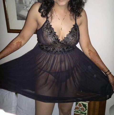 Pakistani Semi Nude Girls Models in Bikini indianudesi.com