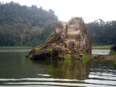 Batu Cinta Situ Patenggang