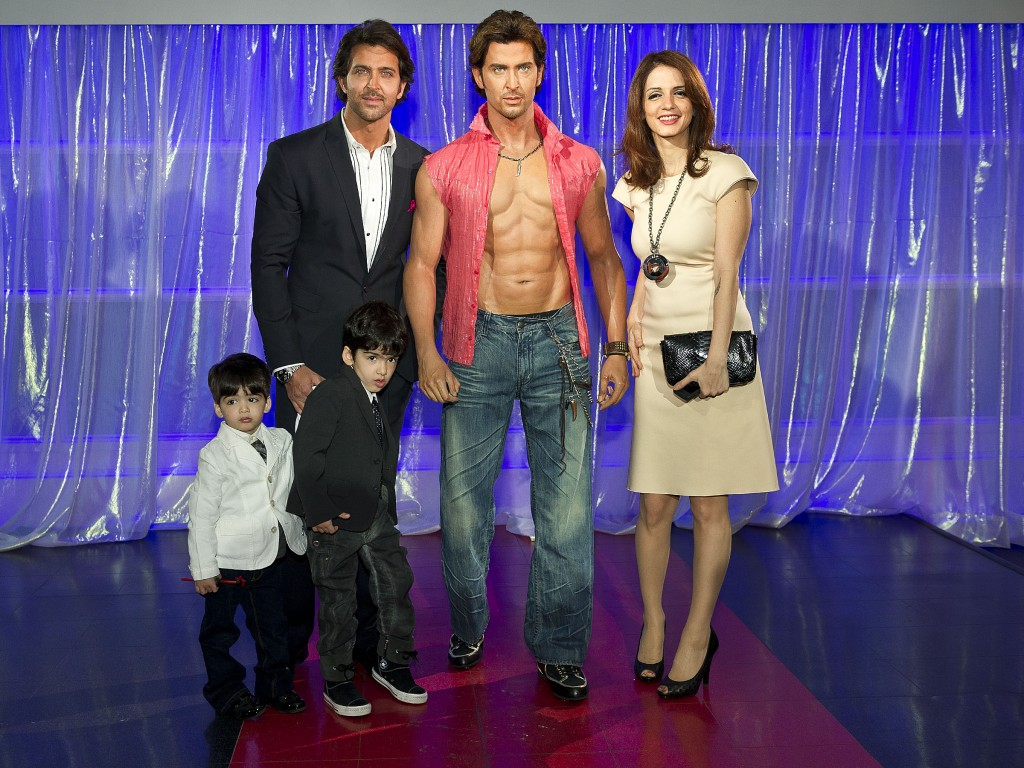 hollywood & Bollywood Stars: Hrithik Roshan Family ...