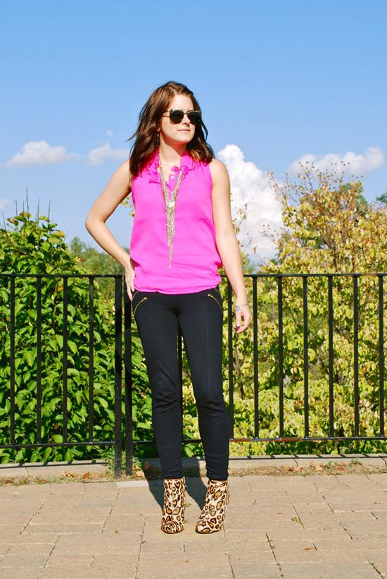 Ruffle collar - zipper leggings - leopard boots