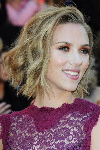 scarlett johansson short hair oscars. scarlett johansson haircut oscars 2011. Scarlett Johansson instead