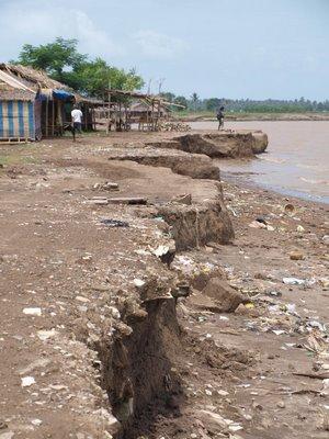 Pengertian dan Penyebab Terjadinya Abrasi Pantai