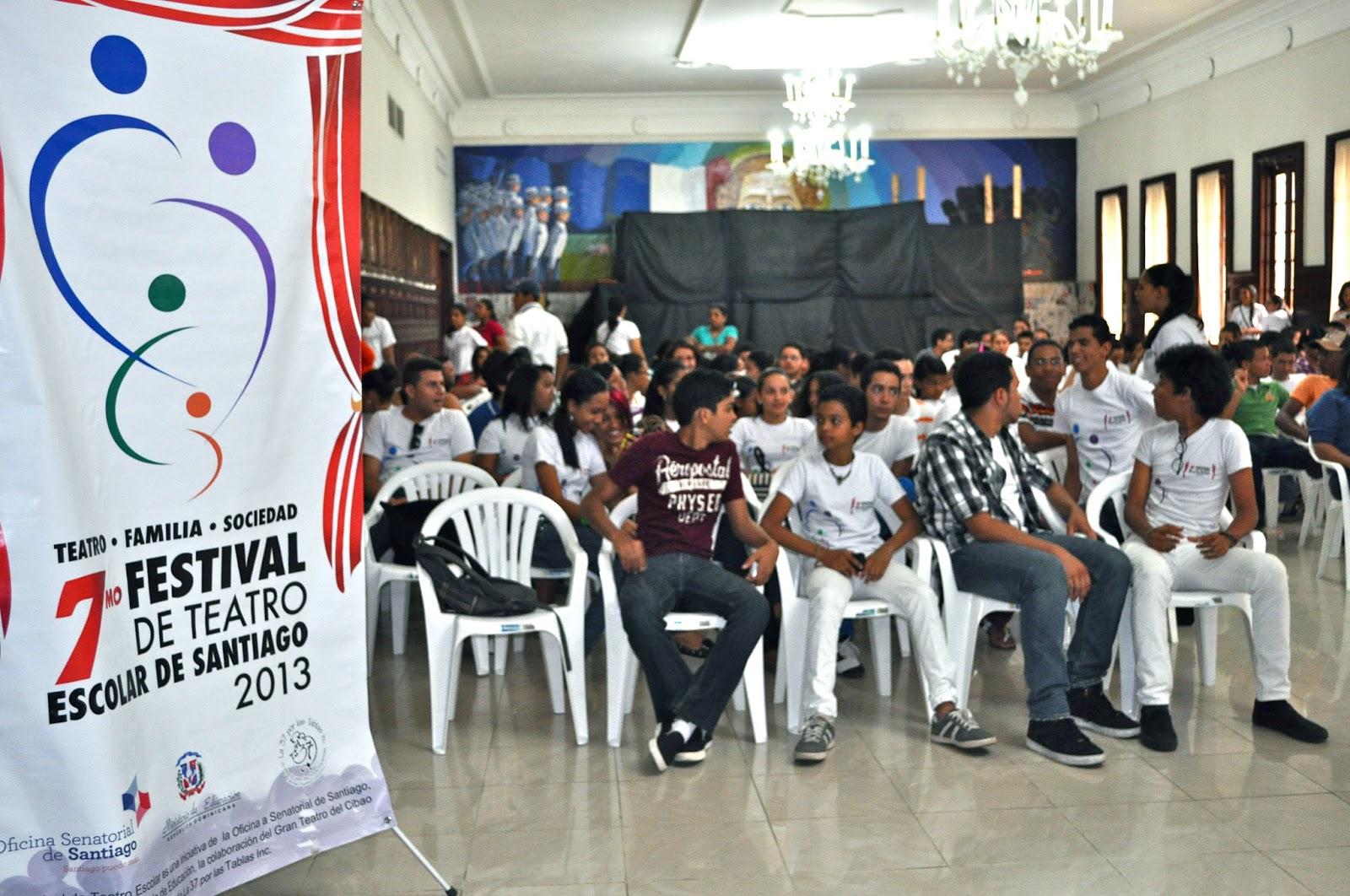 Festival de teatro escolar santiago centros educativos for Cafetin colegio las colinas
