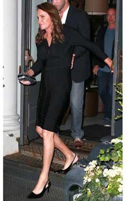 caitlyn-jenner-hace-gala-de-buen-gusto-elegancia-moda-vestir