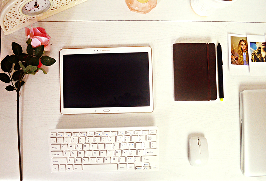 samsung galaxy tab s, keyboard, mouse, uk fashion bloggers studio office, polaroid print, pink rosev