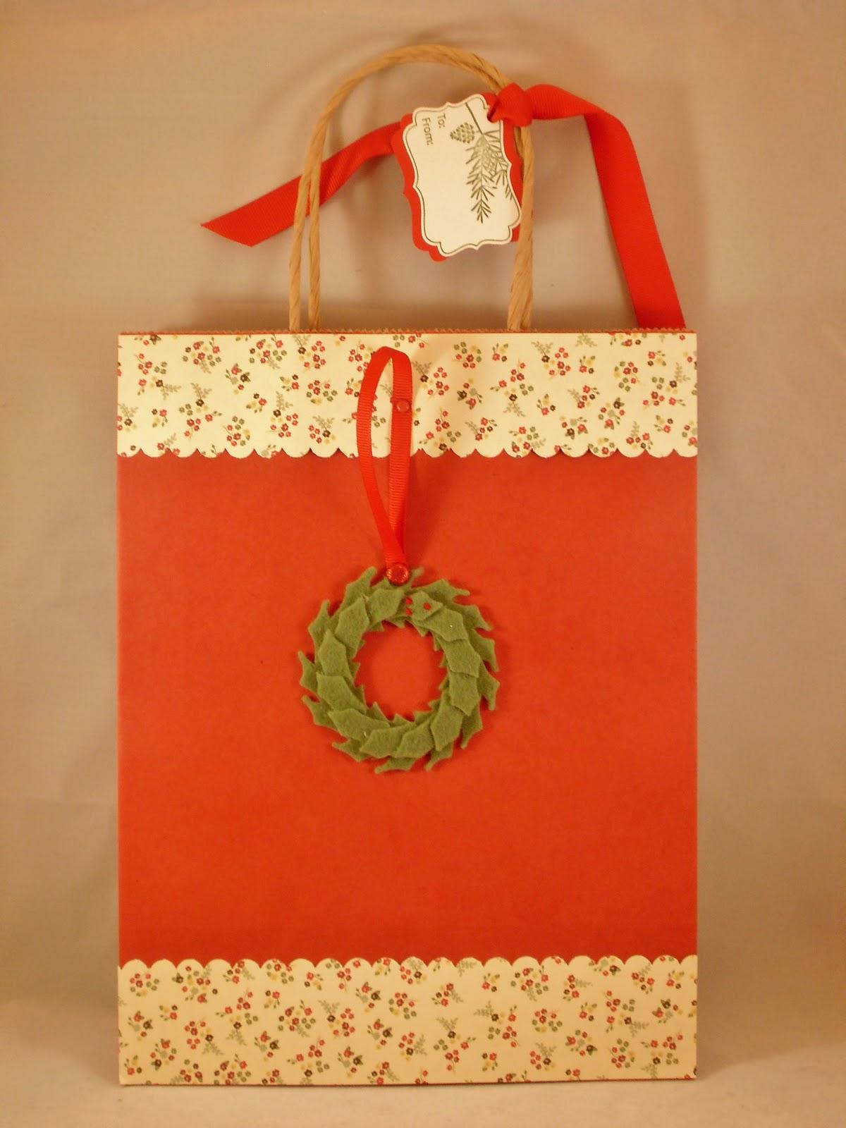 Eileen\'s Stamping Corner: Christmas Gift Bags