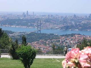 أهم الأماكن السياحية في اسطنبول مع الصور Camlıca-Tepesi-Hill