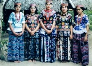 Seni Budaya - Baju Adat Tradisional / Pakaian Adat Sulawesi Tengah