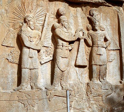 Resultado de imagen de Ahura Mazda fue el padre de dos gemelos, Spenta Mainyu