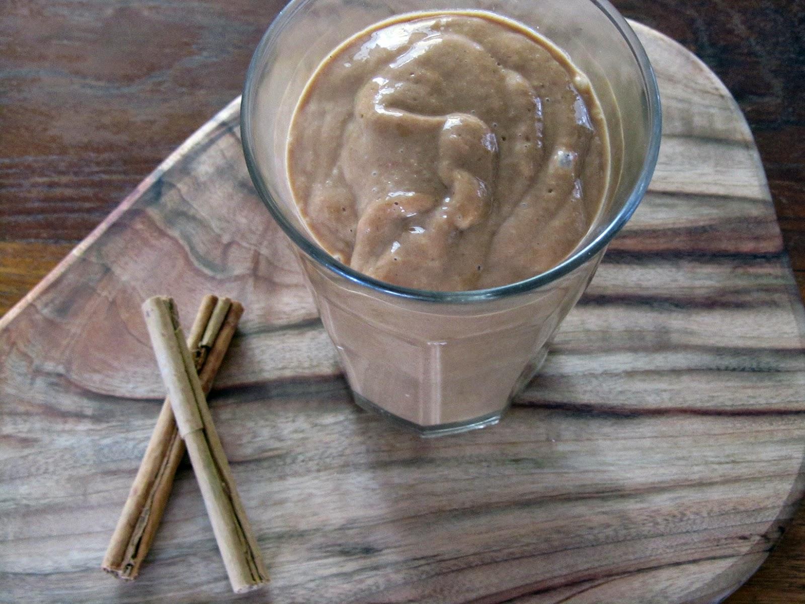mango-cacao smoothie