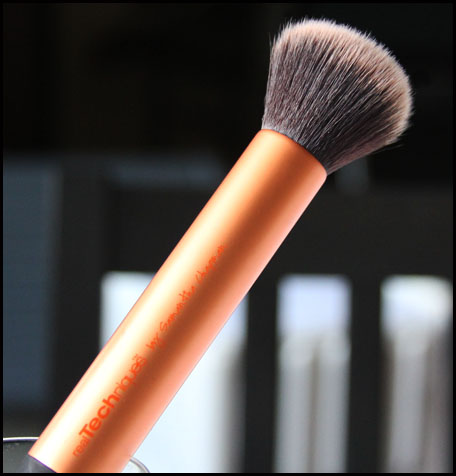 Buffing brush makeup