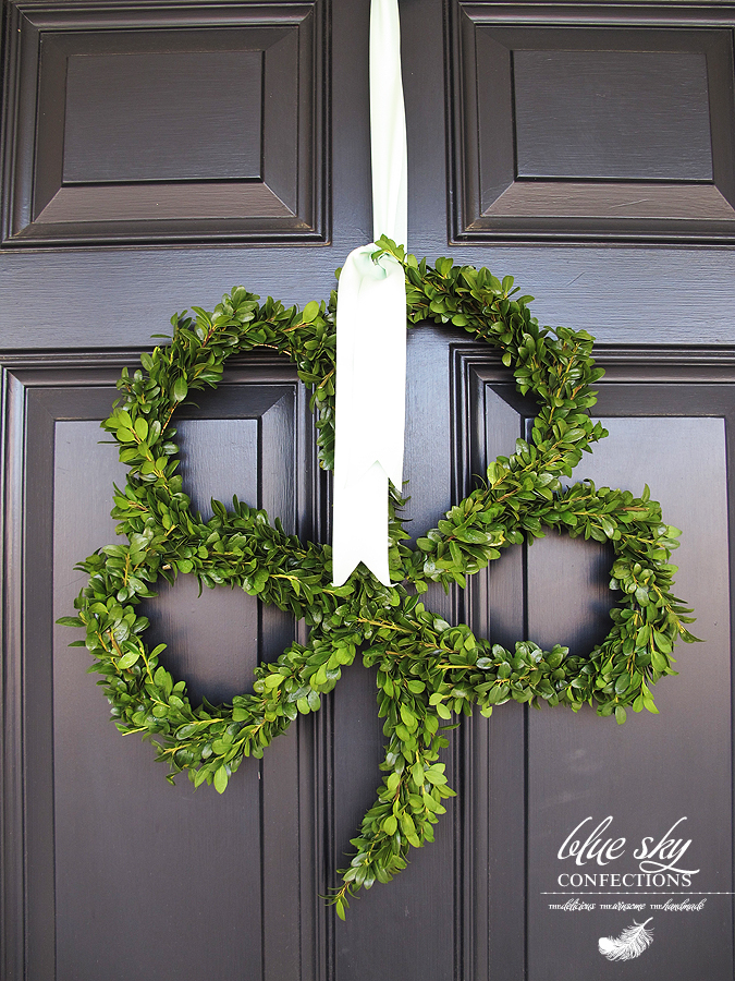 Diy st patrick s day door decor for Shamrock decorations home
