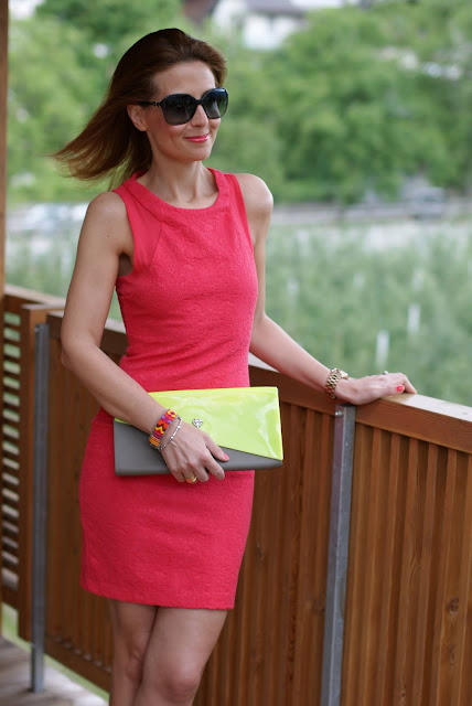 Zara coral dress, abito corallo, Chanel sunglasses, Fashion and Cookies, clutch Melissa