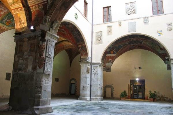 Pistoia Piazza del Duomo