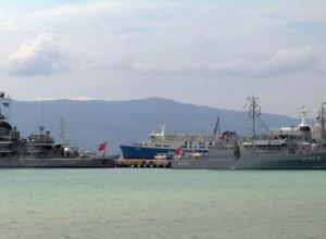 Anije ushtarake të NATO-s ankorohen në portin e Vlorës