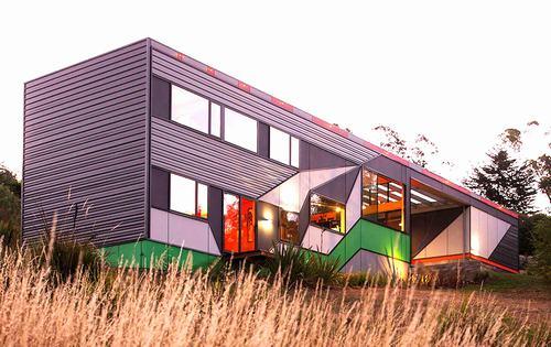 Southern Outlet House - Ngôi nhà sinh động, tiết kiệm điện năng