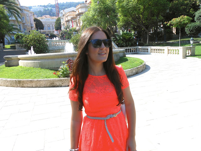 Neon Dress Fashion Blogger